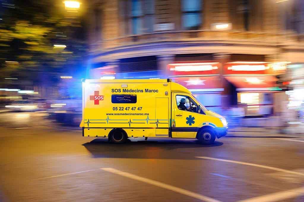 Transport moyen et long courrier en vue d'assurer un déplacement particulièrement sûr  pour des patients gravement atteints qui nécessitent un acheminement en urgence vers un hôpital spécialisé.